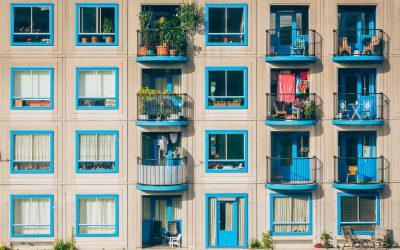 7 plekken waar vaak rommel ligt in huis (en zo kun je ze opruimen)